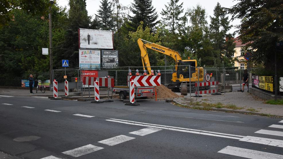 WAŻNE! Rozkopana ul. Nowe Wrota w Gostyniu. Tymczasowe utrudnienia dla kierowców i pieszych - Zdjęcie główne