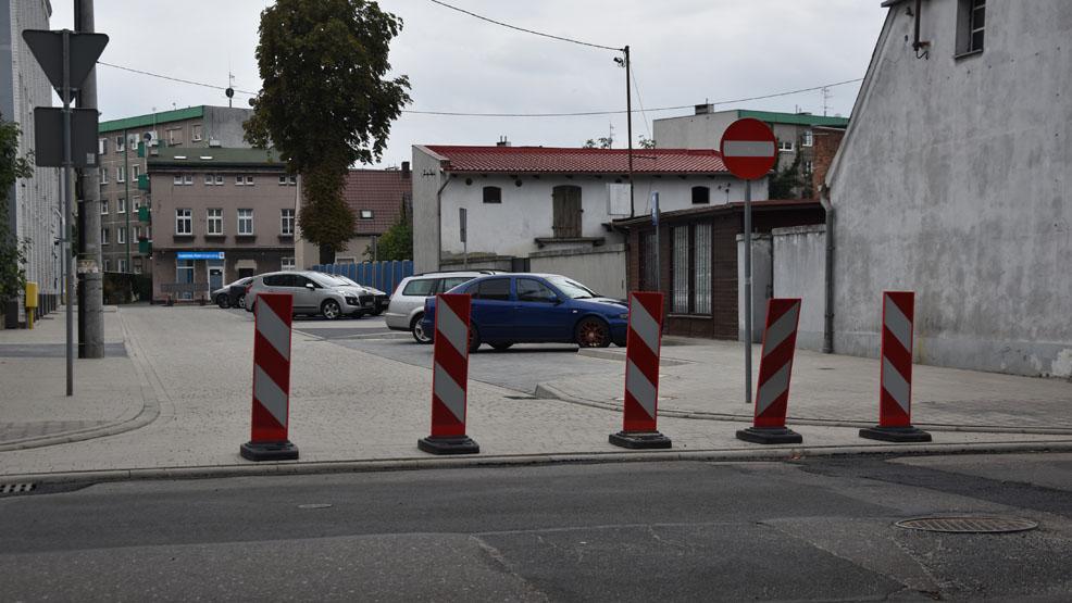 Nowo wybudowana droga z niedociągnięciami? Co się nie podoba na ul. Krótkiej w Gostyniu? - Zdjęcie główne