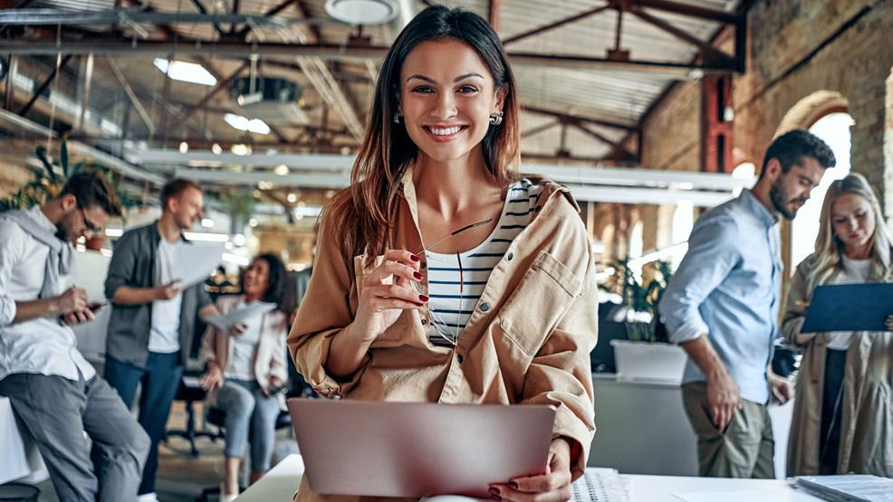 Jak otworzyć pierwszą firmę? Niezbędnik młodego przedsiębiorcy - Zdjęcie główne