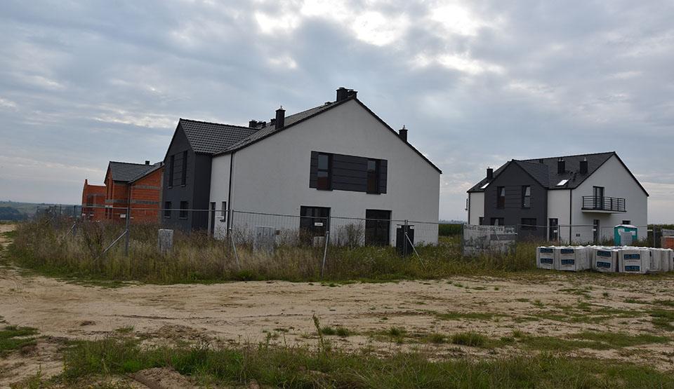 Apartamenty i domy z działką na obrzeżach Gostynia.  Inwestycja jest wyprzedana? - Zdjęcie główne