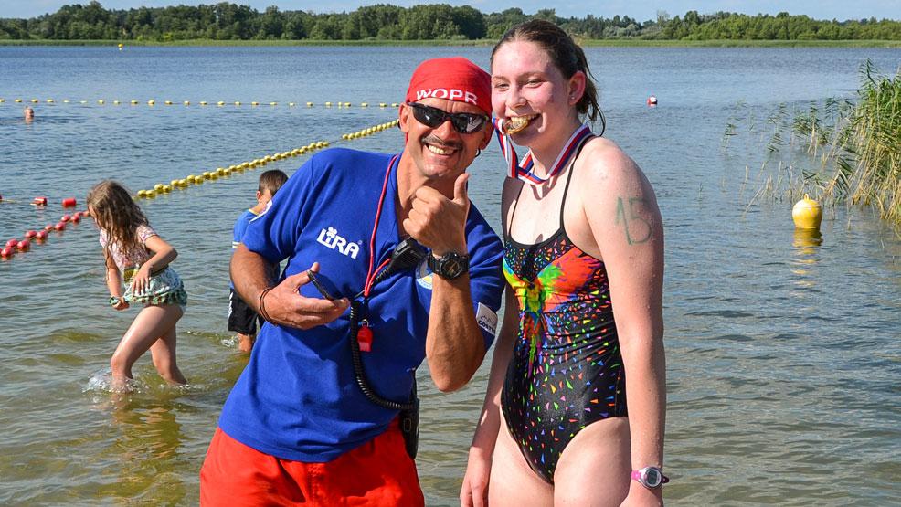 XII Amatorskie Zawody Pływackie 2021. Przyjechała, popłynęła i... wygrała - Zdjęcie główne
