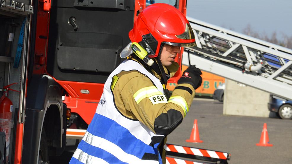 Praca wiąże się bezpośrednio z udziałem w działaniach ratowniczo-gaśniczych - Zdjęcie główne