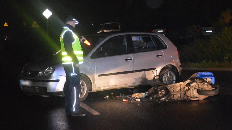 Mieszkaniec Dzięczyny ranny w wieczornym wypadku drogowym - Zdjęcie główne