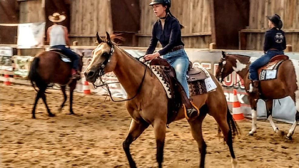 17-letnia Karolina Czemplik ze swoją klaczką pojechały w Międzynarodowych Mistrzostwach Polski Western i Rodeo - Zdjęcie główne