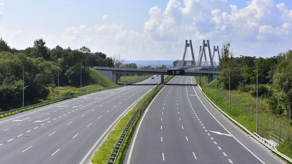 """Przejazd drogami ekspresowymi (""""eskami"""") będzie odpłatny. Zmiany mają nastąpić w przyszłym roku - Zdjęcie główne"""