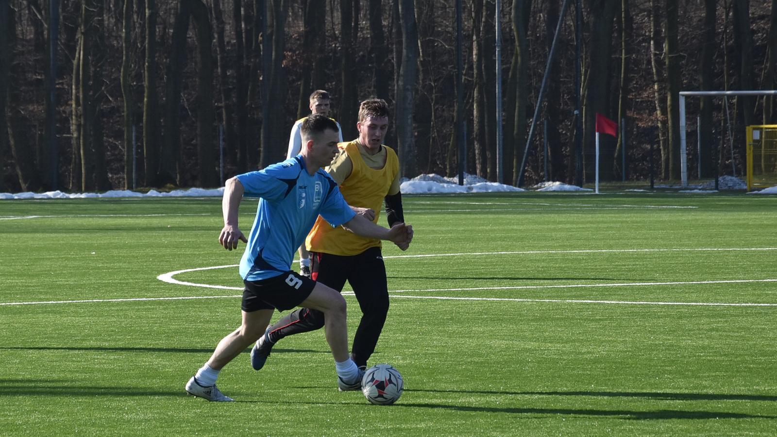 Osiem goli w meczu Piasta Poniec z Sokołem Chwałkowo - Zdjęcie główne