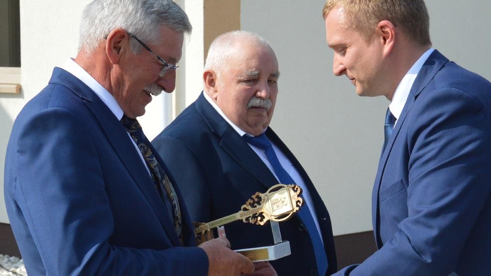 Otwarcie świetlicy wiejskiej w Sarbinowie. Burmistrz podziękował mieszkańcom, byłemu i obecnemu sołtysowi - Zdjęcie główne