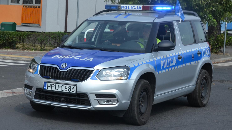 19-latka pędzącego przez wieś namierzył patrol drogówki  - Zdjęcie główne