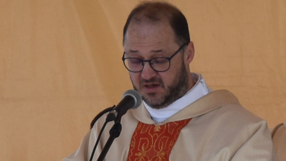 Odchodzi ks. Dariusz Dąbrowski - proboszcz parafii świętogórskiej. Dlaczego?  To jest powołanie w powołaniu - Zdjęcie główne