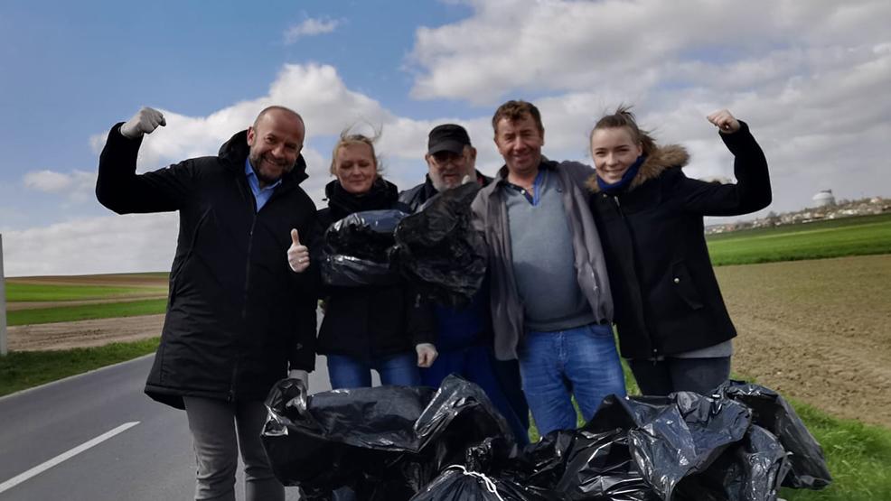 Dzień Ziemi. Coroczna akcja sprzątania w powiecie gostyńskim - Zdjęcie główne