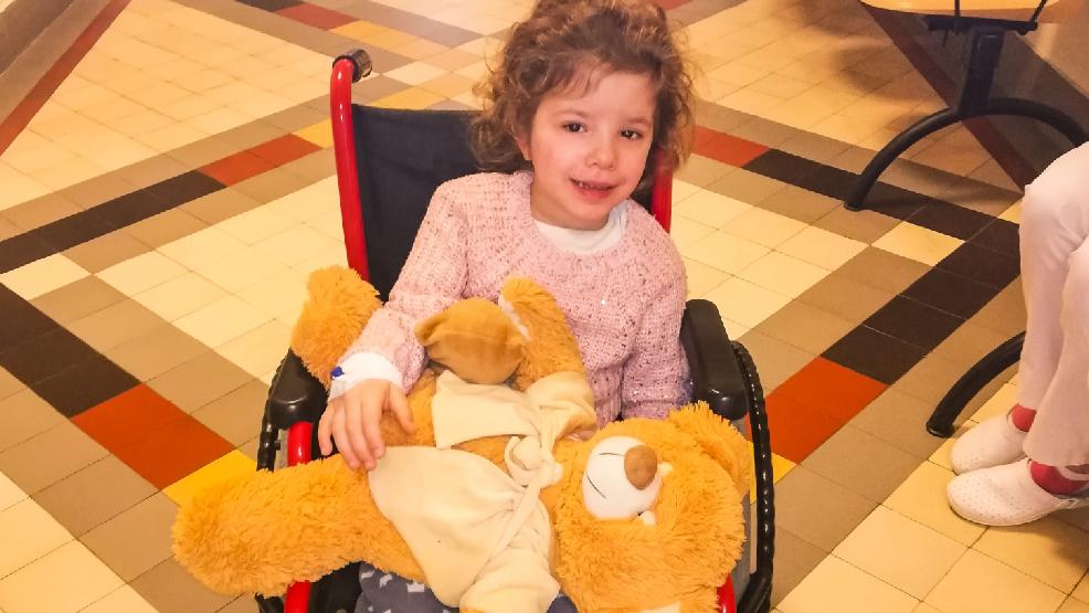 Rodzina 6-letniej Zuzi Bolewskiej z Niepartu zbiera pieniądze na kosztowną chemioterapię - Zdjęcie główne