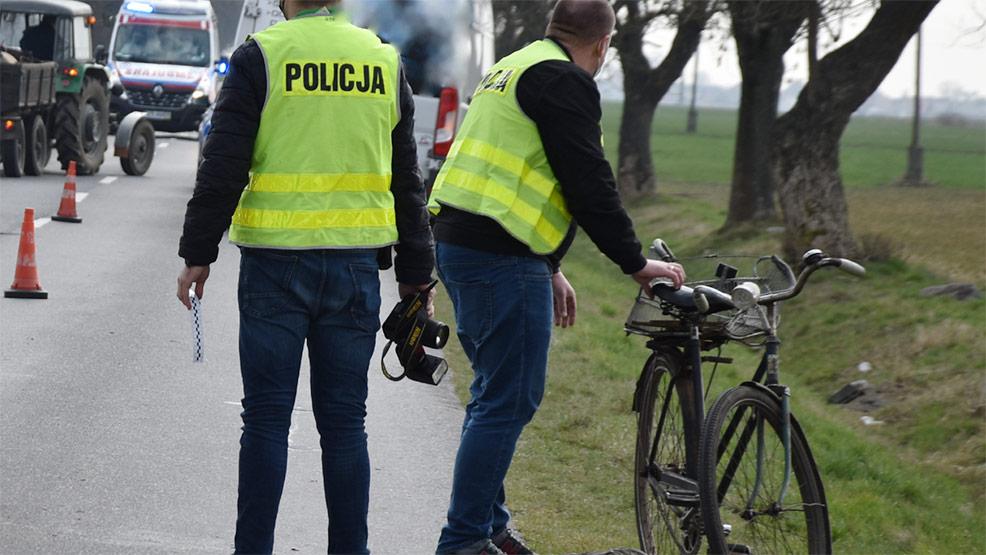 Nie żyje 59-letni rowerzysta potrącony przez samochód - Zdjęcie główne