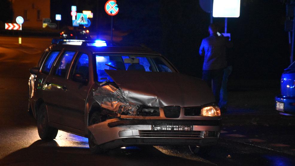 Cztery promile, dwa uszkodzone samochody. I jeszcze chciał zwiać. Pijany w sztok na rondzie w Gostyniu - Zdjęcie główne
