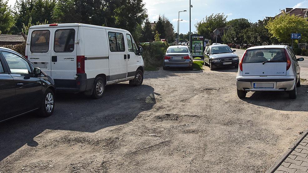 Czy w Gostyniu jest wystarczająca ilość miejsc postojowych? Parkowanie dla cierpliwych - Zdjęcie główne