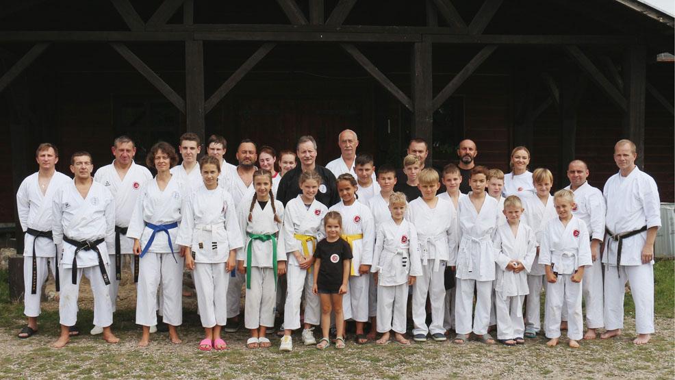 Gostyńscy karatecy poznawali swoje słabości. Trenowali i odpoczywali  - Zdjęcie główne