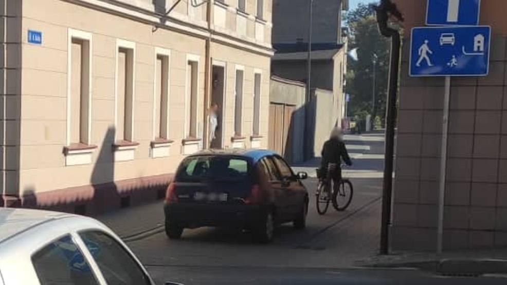 W związku z przebudową rynku w Krobi ulicą Szkolną jeździ obecnie znacznie więcej pojazdów - Zdjęcie główne
