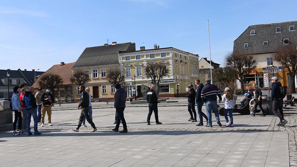 Mieszkańcy Gostynia nie protestowali i rozczarowali organizatorów. Policja wyjaśnia sprawę - Zdjęcie główne