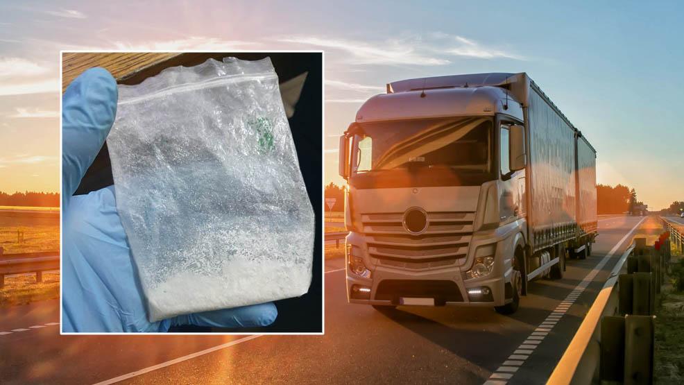 Pijany jechał ciężarówką do Niemiec. Kierowca z powiatu gostyńskiego wiózł żyletki, miał też amfetaminę - Zdjęcie główne