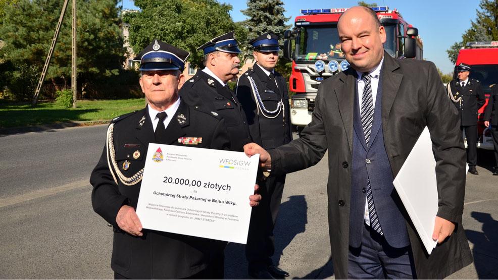 Strażacy ochotnicy z gmin Borek i Pogorzela się cieszą. Dostaną pieniądze - Zdjęcie główne