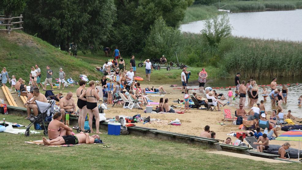 Zawody pływackie w Cichowie - Zdjęcie główne