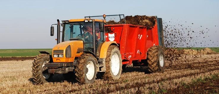 Rolnik na zleceniu ubezpieczony w KRUS i ZUS - Zdjęcie główne