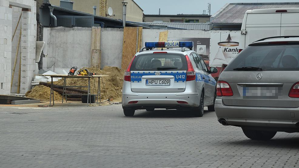 Mężczyzna spadł z rusztowania. Wypadek przy pracach budowlanych w Gostyniu - Zdjęcie główne