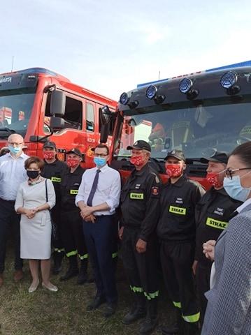 Jarocin. Strażacy i gospodynie świętowały razem z premierem  - Zdjęcie główne