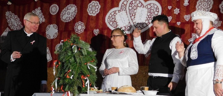Takiego wesela jeszcze nie było... Golina świętowała z Młodą Parą... niepodległość [VIDEO, FOTO] - Zdjęcie główne