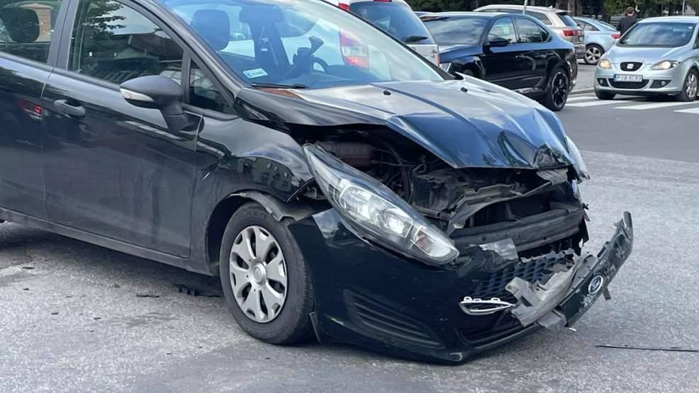 Zderzenie dwóch samochodów na skrzyżowaniu. To kolejne zdarzenie w tym miejscu? [FOTO] - Zdjęcie główne