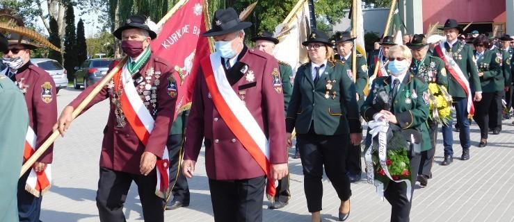Bracia kurkowi pożegnali prezesa Ryszarda Hybiaka salwą [ZDJĘCIA, WIDEO] - Zdjęcie główne