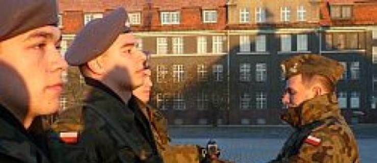 Dowódca jednostki wydał broń - Zdjęcie główne