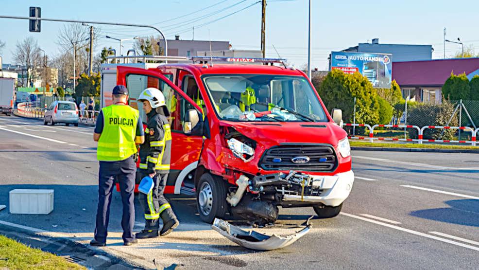 Pijany ochotnik rozbił wóz strażacki. Czy w remizach powinny być alkotesty?     - Zdjęcie główne