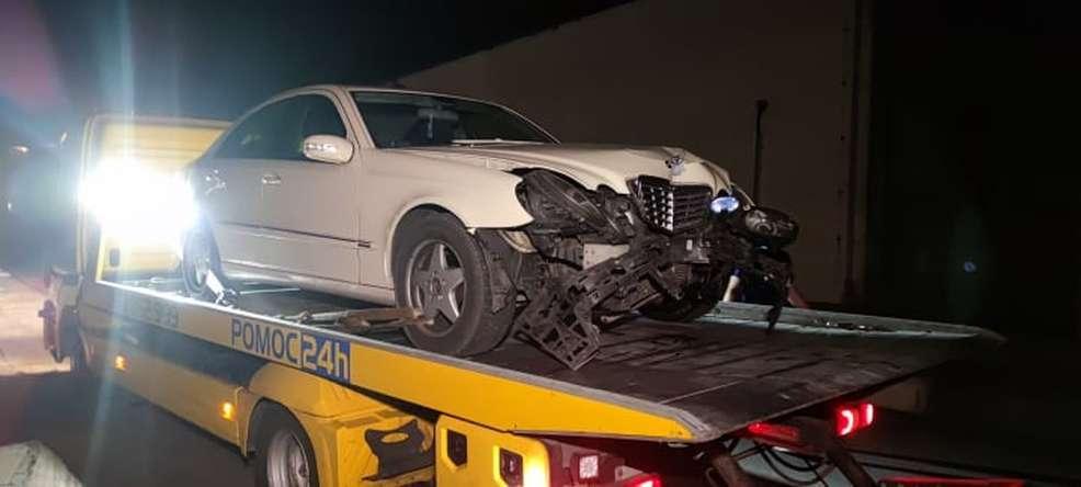 Kilkanaście minut trwał pościg policyjny za nietrzeźwym kierowcą bez uprawnień [ZDJĘCIA] - Zdjęcie główne