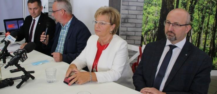 Radni opozycji nakręcili film. Temat: Sprzedaż ponad 41 ha gminnej ziemi - Zdjęcie główne
