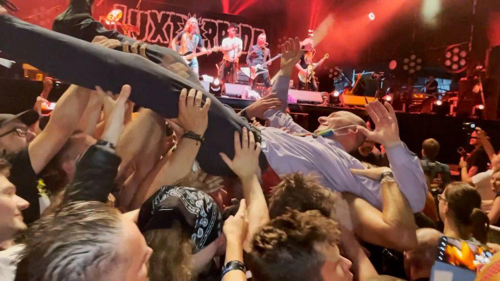 Jarocin Festiwal 2021. Patyczak zrobił show na małej scenie. Publiczność poniosła muzyka. Zobaczcie, co się działo [WIDEO] - Zdjęcie główne
