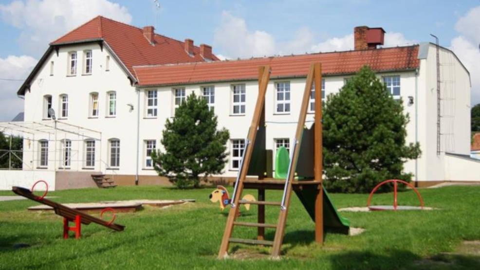 Najpierw powstało osiedle mieszkań czynszowych, teraz pobudują przedszkole i salę gimnastyczną - Zdjęcie główne