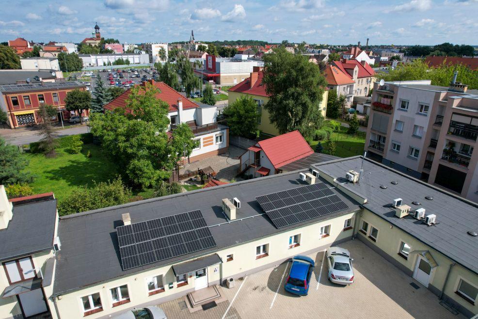 JTBS zainwestowało w odnawialne źródła energii. Zamontowano panele fotowoltaiczne - Zdjęcie główne