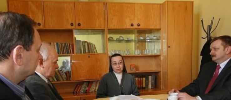 Radni u sióstr w Dobieszczyźnie - Zdjęcie główne