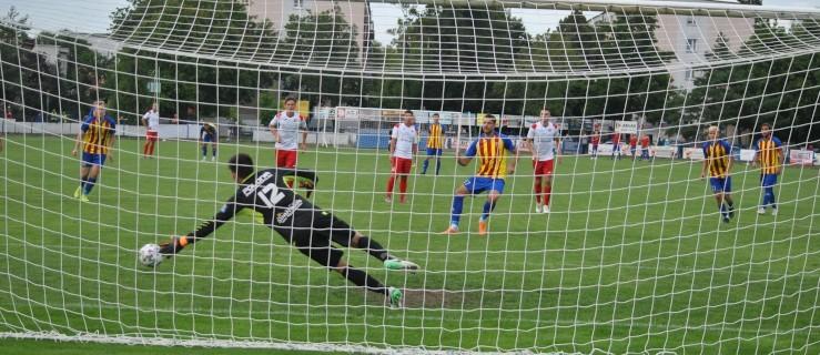 III liga: Jarota Jarocin przegrała z Polonią Środa Wlkp. (ZDJĘCIA) - Zdjęcie główne