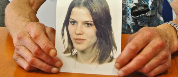 Joanna Wesołek z Jarocina zaginęła. Okoliczności zniknięcia nastolatki sprzed dwóch dekad chce wyjaśnić były policjant   - Zdjęcie główne