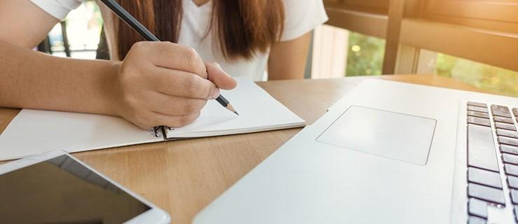 Nauka angielskiego - stacjonarnie czy online? - Zdjęcie główne