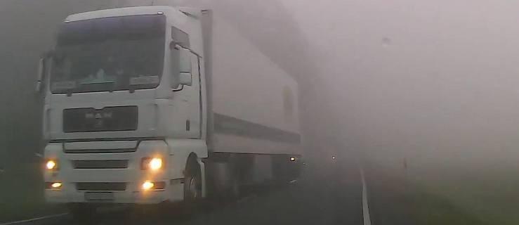 Nagle z mgły wyłoniły się światła. Ciężarówka jechała wprost na mnie... [WIDEO]  - Zdjęcie główne