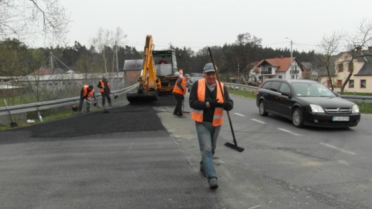 Jarocin. Kolejne drogi do przebudowy na terenie gminy - Zdjęcie główne