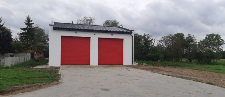 Podwójny garaż czeka na oddanie do użytku - Zdjęcie główne