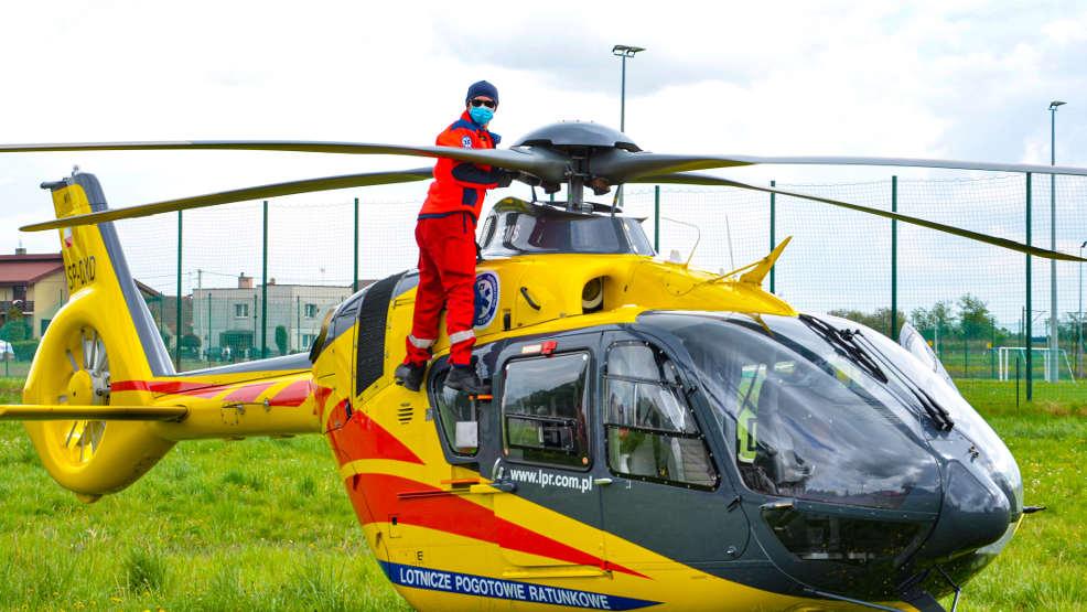 Śmigłowiec Lotniczego Pogotowia Ratunkowego nie mógł wystartować przez gołębia  - Zdjęcie główne