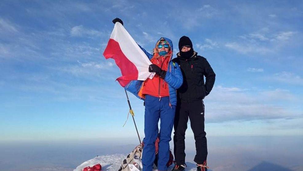 Góry, ich całe życie. Na rocznicę ślubu weszli na najwyższy szczyt Turcji - Zdjęcie główne