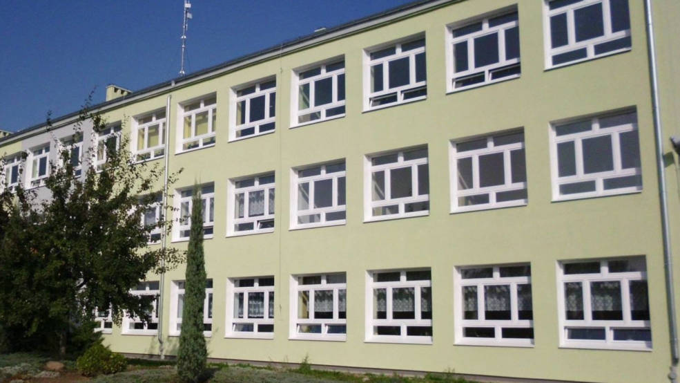 Dyrektor i pracownicy szkoły dostali wypowiedzenia. Kto poprowadzi szkołę w Roszkowie?  - Zdjęcie główne