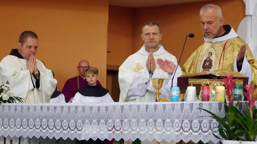 Srebrny jubileusz ojca Eliota Mareckiego w sobotę w Jarocinie - Zdjęcie główne