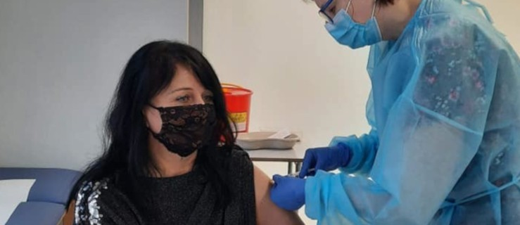 Wicestarosta zachęca do szczepień i sama się im poddaje [ZDJĘCIA] - Zdjęcie główne