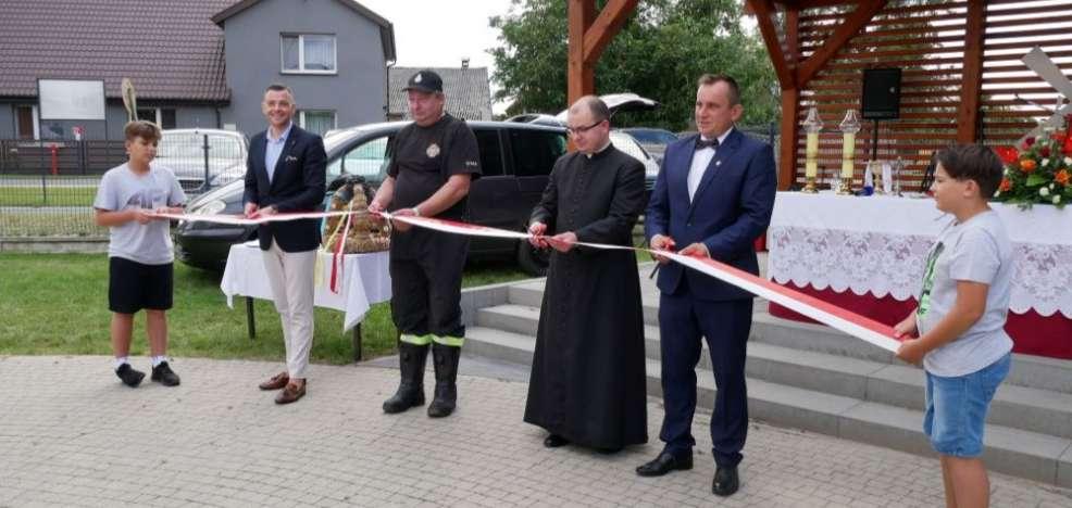 Przy okazji dożynek oddali centrum rekreacyjno-kulturalne w Łuszczanowie [ZDJĘCIA] - Zdjęcie główne